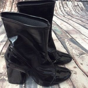 Zara black patent leather ankle boots size 39